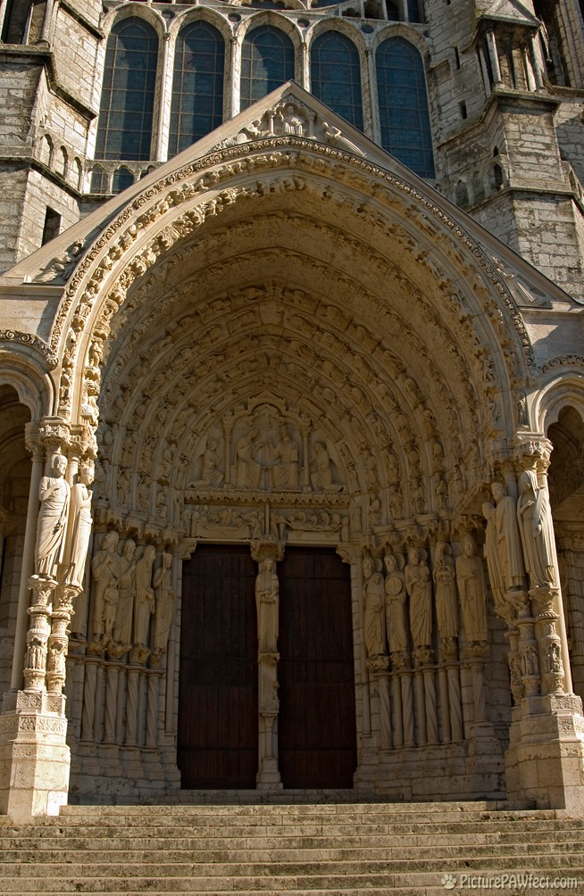 Tympanium, left door of Chartres Cathedral (David's France Gallery) {Chartres Cathedral}